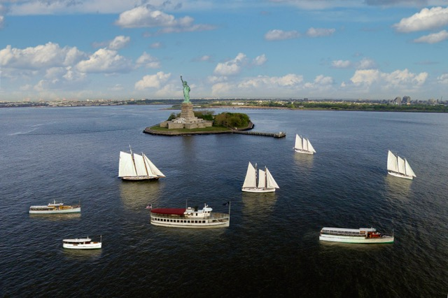Best Sightseeing Boat Tours in NYC | Classic Harbor Line